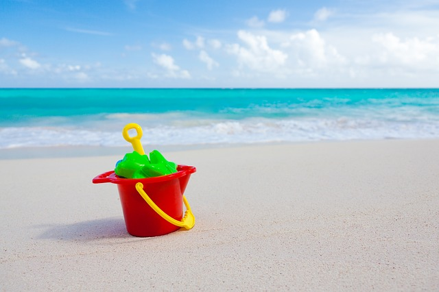 sand- keep kids busy during travel
